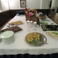 Ruokapöytä 1